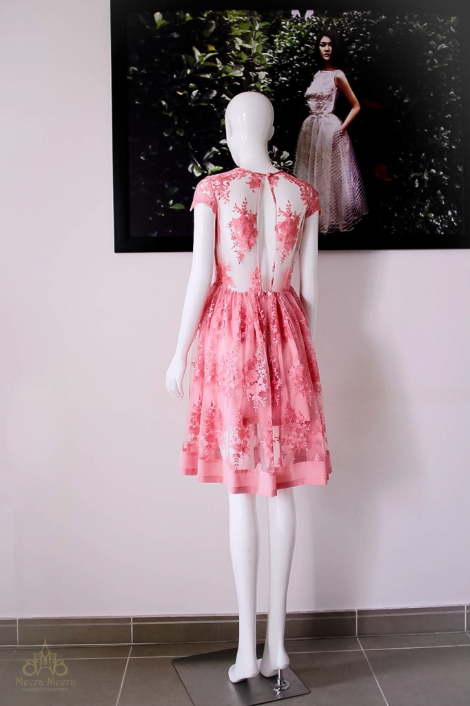 Đầm dạ tiệc ren mau hồng cam