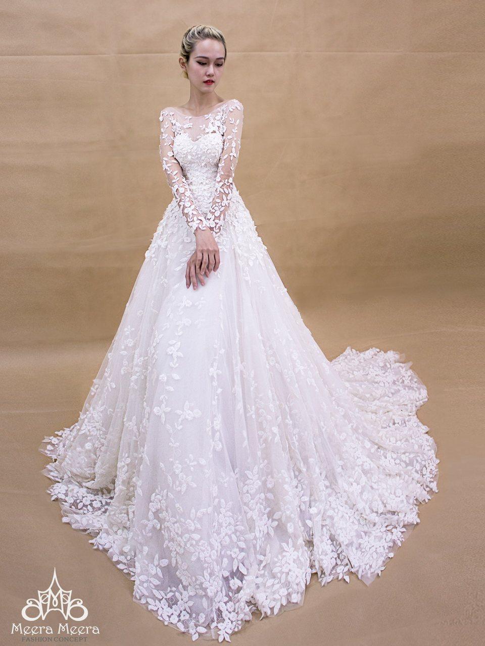 Áo cưới tùng chuông tay dài cúp tim. Mã MM2055
